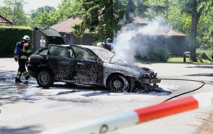 Weer een autobrand in Boxtel.