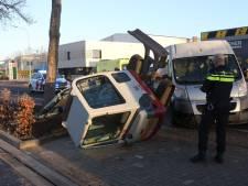 Graafmachinist lichtgewond na botsing met bestelbus op industrieterrein Boxtel