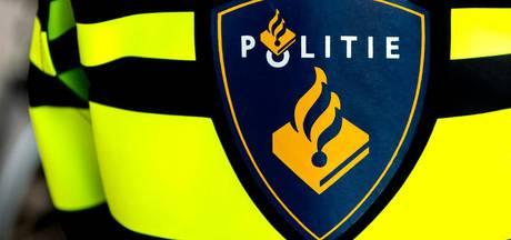Politiebusje in brand gestoken na schietpartij Bos en Lommer