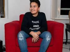 De sneakerdesigns van Moos (14) zijn zo populair dat hij al tot april is volgeboekt