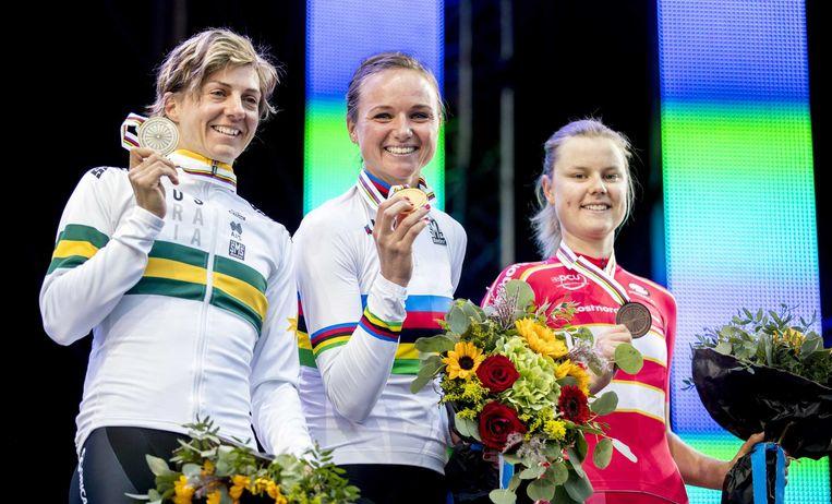 Chantal Blaak met haar gouden medaille Beeld anp