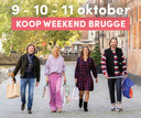 Met deze affiche, waarop je vier handelaars ziet, maakt stad Brugge promotie voor het koopjesweekend.