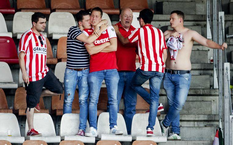 Treurende fans van Sparta Rotterdam. Beeld ANP
