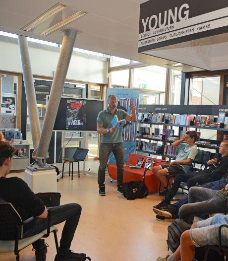 Schrijver en piloot Tegenbosch bezoekt Pieter Zeeman