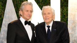 Zijn zoon en kleinzoon krijgen niets: miljoenenerfenis van Kirk Douglas quasi volledig naar goede doelen