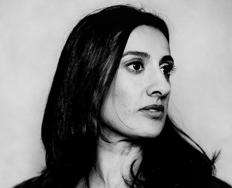 Naema Tahir: 'Ik had graag op een zachtere manier willen losbreken uit mijn etnische groep.'