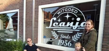 In de Pioenroosstraat in Eindhoven: Leanja witgoed rots in de branding
