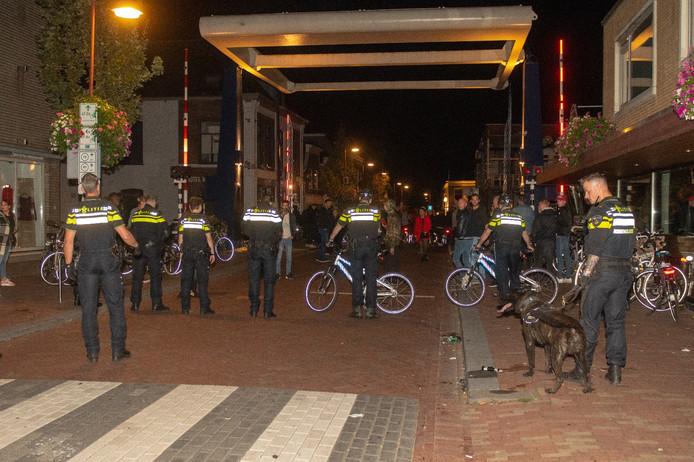 Politie veegt centrum Bodegraven schoon