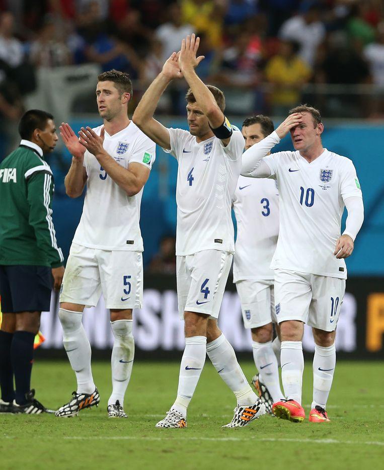 De Engelse spelers na de nederlaag tegen Italië Beeld getty