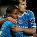 Phillip Cocu als aanvoerder in zijn tweede termijn bij PSV. Hier met Jefferson Farfán.