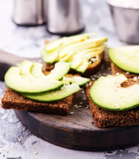 Diëtist neemt 'gezonde' ontbijtgewoontes onder de loep: Donker brood is vaak gemaakt van witte bloem