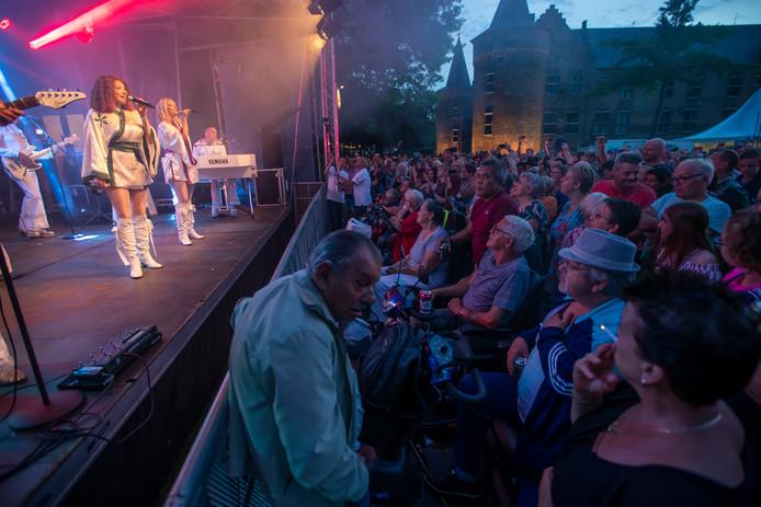 Kasteeltuinconcert in Helmond: Abba tribute