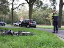 Brommerrijder gewond bij frontale botsing met auto in Hoge Hexel