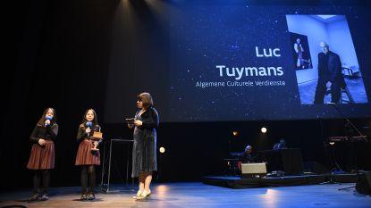 Winnaar Luc Tuymans stuurt zijn kat naar Ultimas en schenkt prijzengeld weg, Jambon opnieuw uitgejouwd