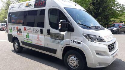 Nieuwe rolstoelvriendelijke shuttle pendelt gratis naar stadscentrum