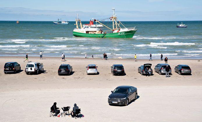 Urker kotter Sursum Corda ligt sinds maandag voor de Deense kust en kan geen kant op.