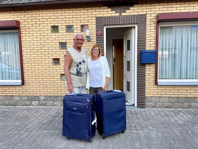 Guido Deckers en Linda Steeman zijn veilig en wel teruggekeerd uit Kaapverdië. Hun geplande verblijf van drie maanden liep door de coronacrisis en de herhaaldelijke annulering van vluchten uit tot achtenhalf maand