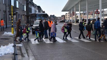 """23 auto's scheuren met meer dan 100 per uur door zone 30 aan school: """"Snelste reed 131 kilometer per uur"""""""