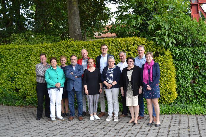 De Raad van Bestuur van MBV, met tweede van rechts Frank Sierens.