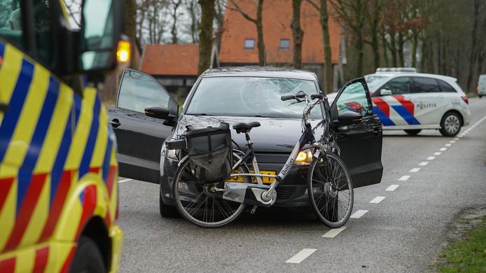 Een ongeluk op de Boxbergerweg tussen Olst en Diepenveen.
