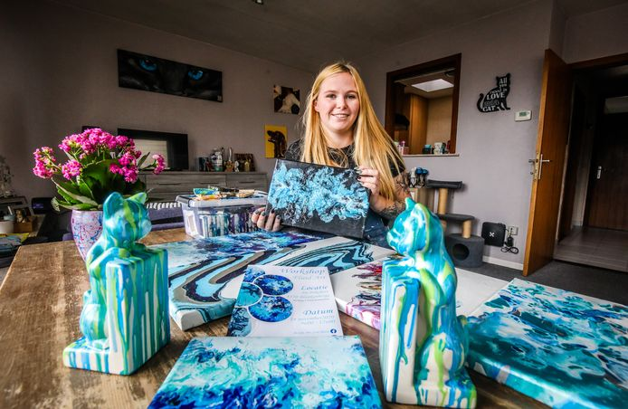 Lisa-Marie Billiet is bedreven in de kunst van de Fluidart.