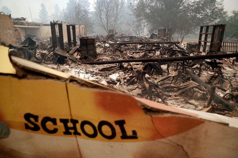 De resten van de basisschool in Paradise.