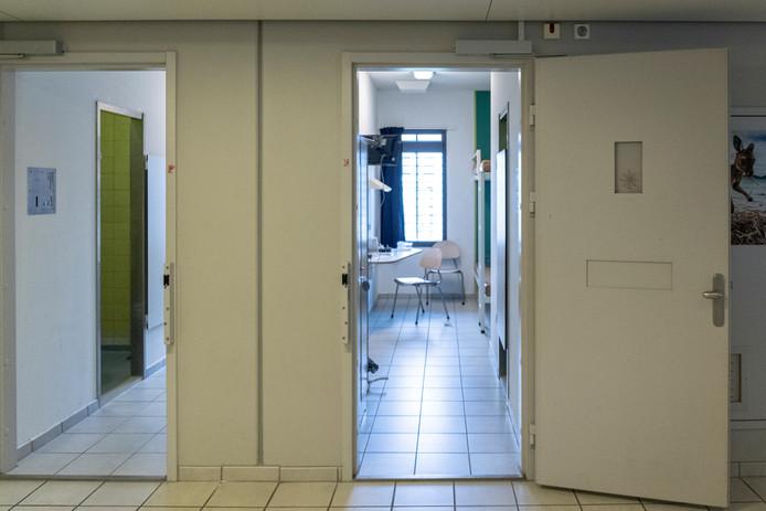 Een cel in het Huis van Bewaring in de Alphense gevangenis.