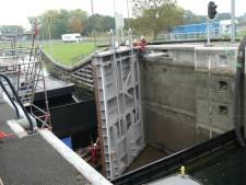 Gapend gat sluis Schijndel weer gesloten: scheepvaart snel weer mogelijk