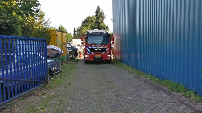 Brandweer en politie zijn aangekomen bij het ontdekte drugslab in Wijchen.