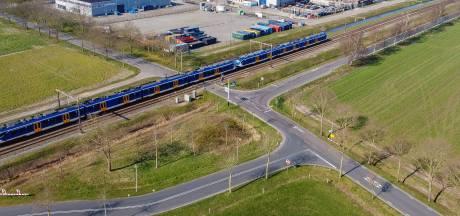 Aanleg korte lus moet spoorwegovergang in Staphorst veiliger maken