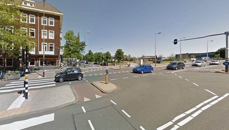 De aanrijding vond plaats op de kruising van de Willem de Zwijgerlaan en de Jan van Galenstraat. Beeld Google Streetview