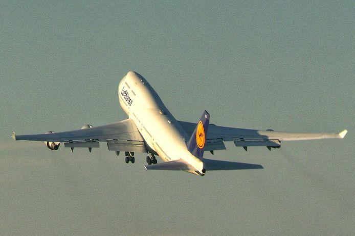 De boeing 747 is zojuist opgestegen vanaf Twente Airport