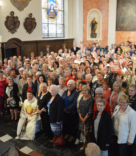 Pastoor boekt wereldrecord door 233 Rita's samen te brengen