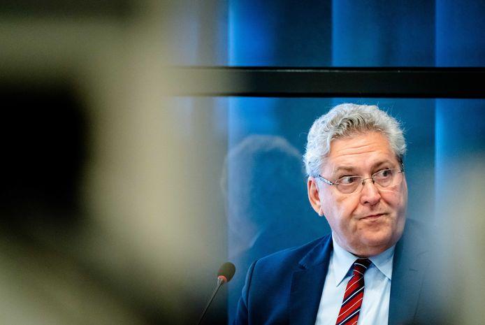 Henk Krol (50Plus) tijdens een hoorzitting in de Tweede Kamer.