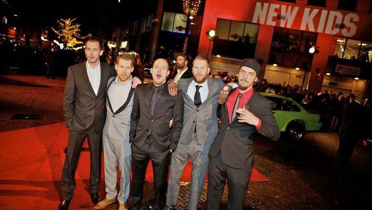 De cast van New Kids Nitro op de rode loper bij de premiere in Eindhoven van de nieuwe film New Kids Nitro, in december. Beeld ANP