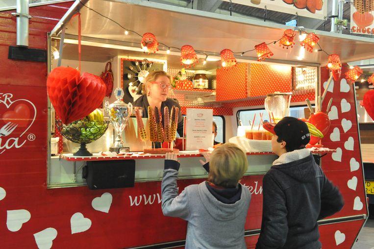 langs de Leieboorden is er voor de eerste keer een mini-foodtruckfestival