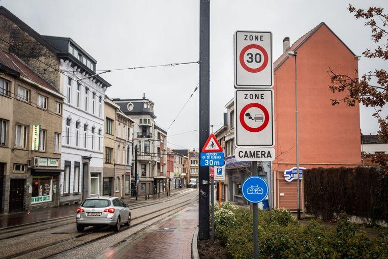 Het begin van de LEZ aan de Brusselsepoortstraat.