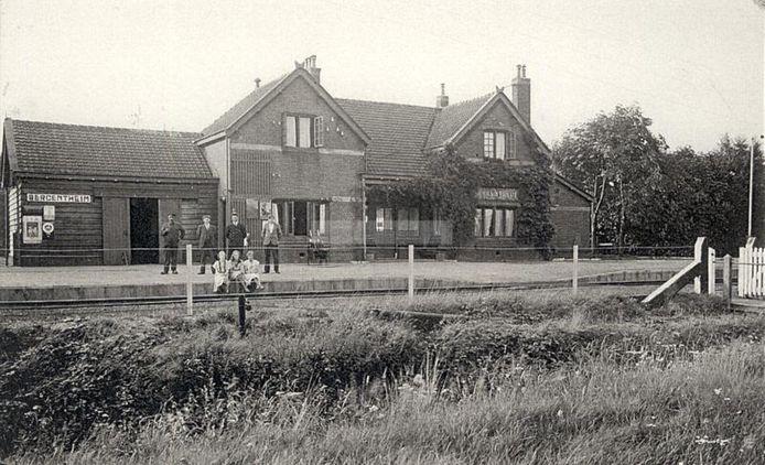 Nostalgische foto van het oude station Bergentheim, dat in 1975 werd gesloten.