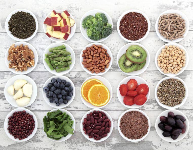 Eet voldoende vezels en eiwitten, en kies voor groenten en fruit die je zelf lekker vindt.