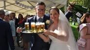 Schepen De Landtsheer trakteert op huwelijksdag
