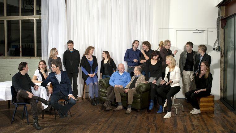 Een aantal van de deelnemende schrijvers bij de presentatie van de campagne, dinsdag in het Amsterdamse Hotel de Goudfazant. Beeld Raimond Wouda