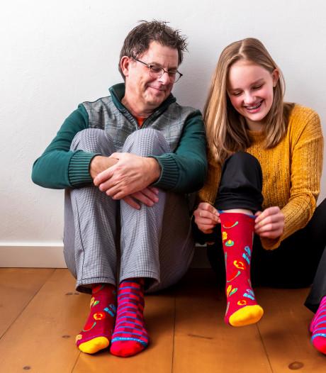 500 volleyballers spelen vandaag op alzheimer sokken, allemaal voor de zieke moeder van Joy (13)