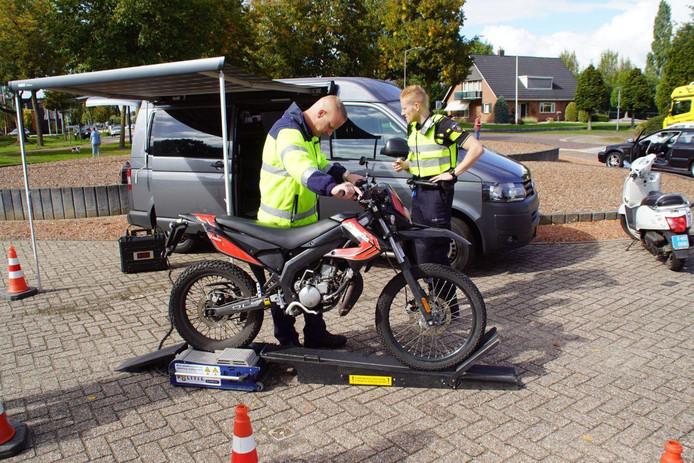 Een algemene verkeerscontrole aan de Nijverheidsweg in Aalten.