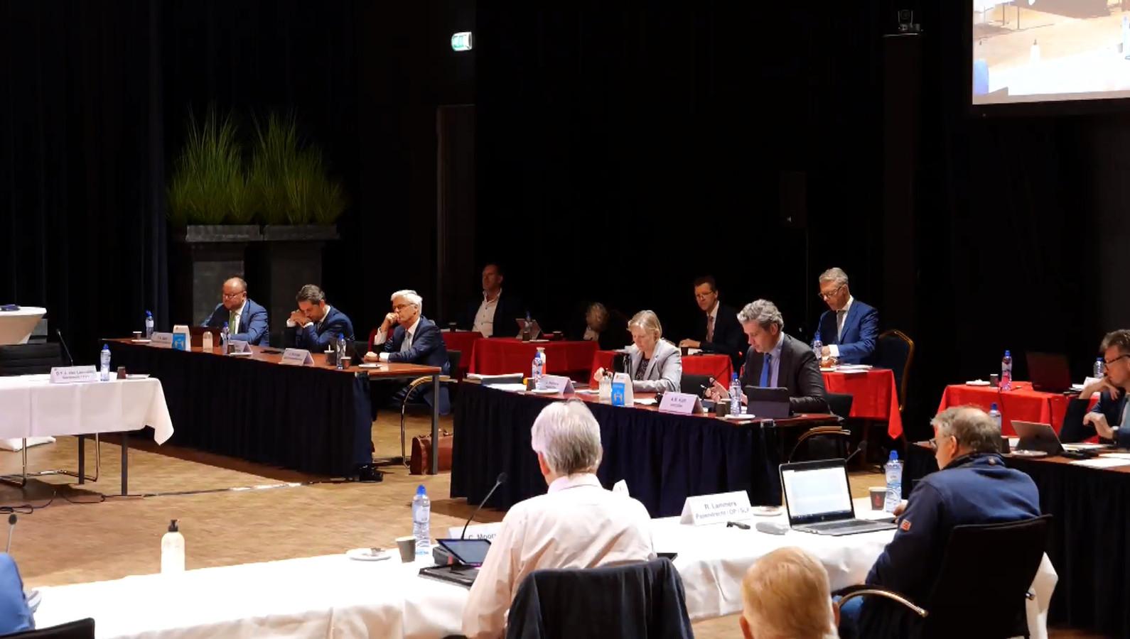 De Drechtraad vergaderde dinsdag in Sliedrecht.