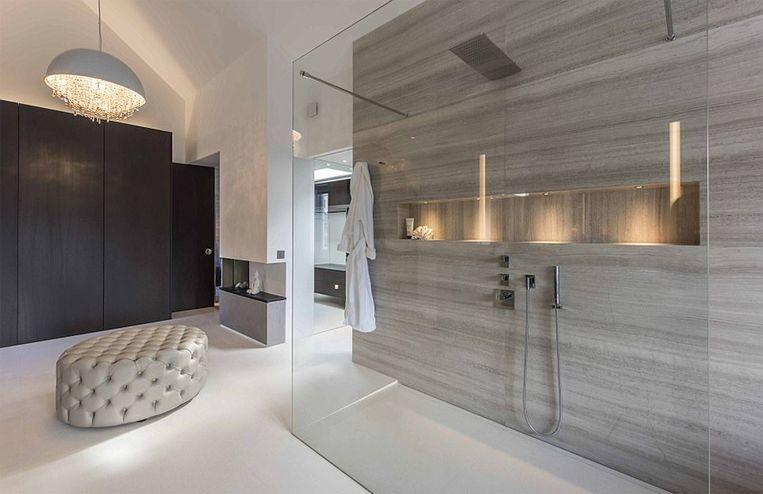 Deze badkamer maakt deel uit van een huis van 464 m².