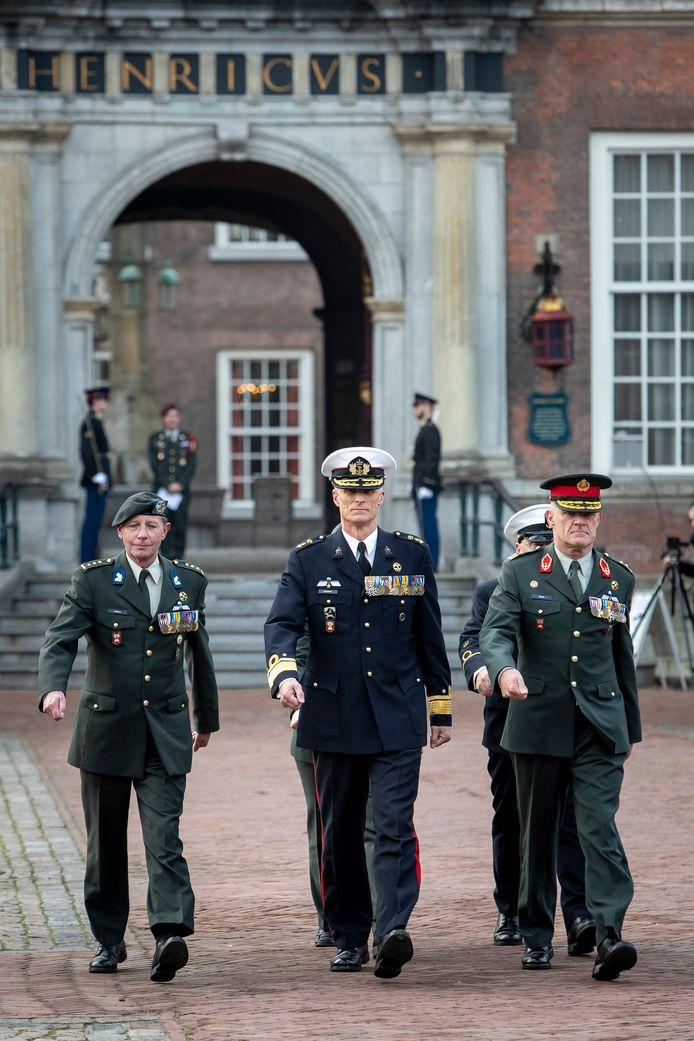 De overdracht van het commando van het NLDA voltrekt zich volgens vast protocol en ceremonieel.