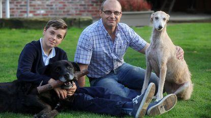 """""""Te veel en te luid"""": rechter beveelt dwangsom per dag dat gezin honden bijhoudt"""