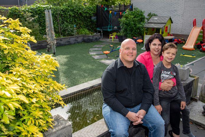 Vader Melvyn, moeder Karin en zoon Daan De Kort.