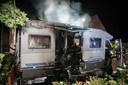 Aan de Aalburgstraat ging een camper verloren door een brand.