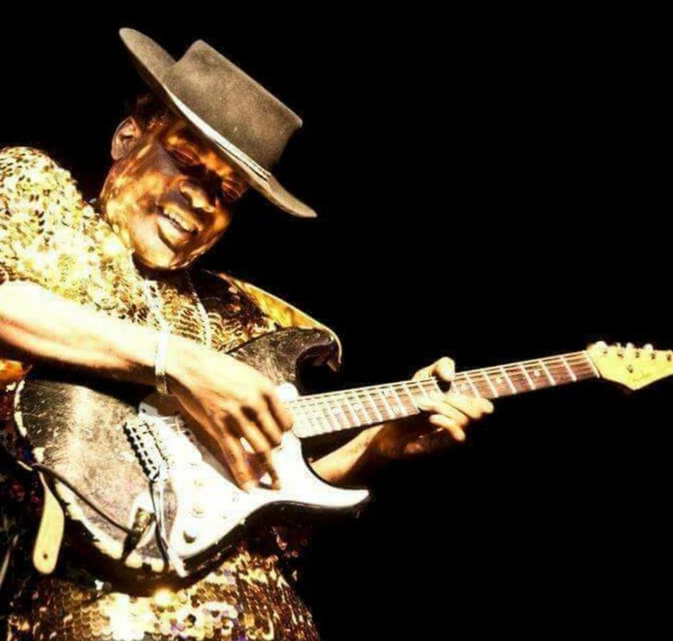 Carvin Jones: King of the strings